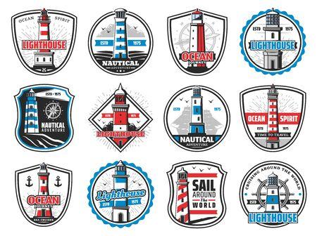 Leuchtturm, Marine Leuchtfeuer, Anker und Schiffshelm heraldische Symbole. Vektornautischer Leuchtturmturm, maritimes Segelabenteuer, Kompass- und Schiffskettenabzeichen, Meereswellen, Möwen und Fregattenschiff
