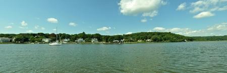 Panorama łodzi dzieje w jeziorze