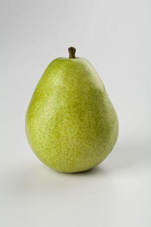 anjou: Una pera de Anjou Flawless aislada en blanco