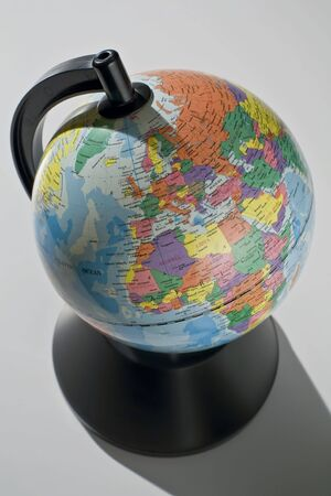 Kaart van de wereld Europa en Afrika op wit weer gegeven: Stockfoto