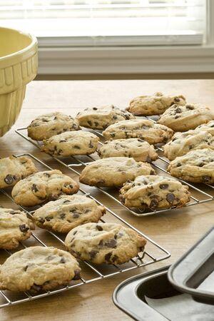 Vers gebakken chocolade schilfer koekjes