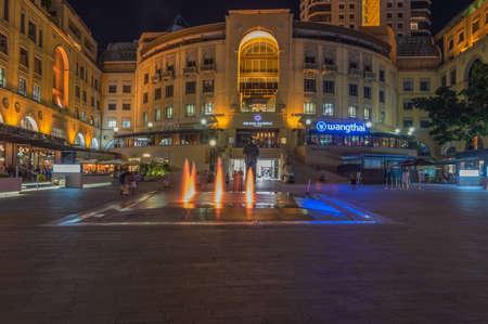 nelson mandela: Sandton Johannesburg 29 March 2016 The Nelson Mandela Square at night