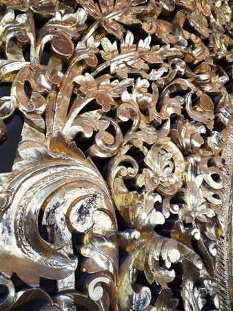crave: wooden crave in Burma temple