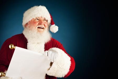 Uitgebreide reeks van een blanke, authentieke Kerstman Karakter op een blauwe achtergrond.