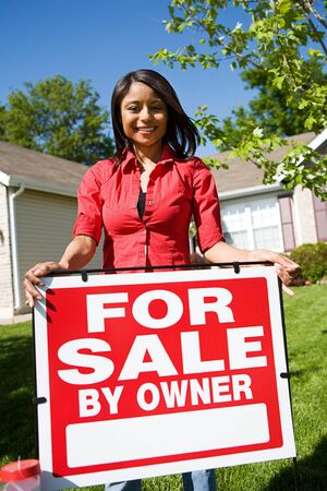 homeowner: Home: Woman Ready to Sell House