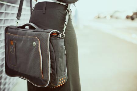 Travel: Focus On Female Traveler's Laptop Bag Standard-Bild