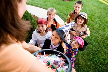 Halloween: kinderen enthousiast te Trick or treat