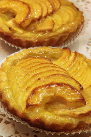Vidriada pastelería francesa en una pastelería  Foto de archivo - 376891