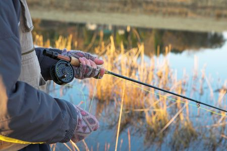 flyfishing: A fly fishermans spinner - Focus on spinner and line, Shallower DOF