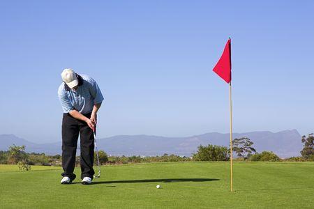 golfing: Man golfen.