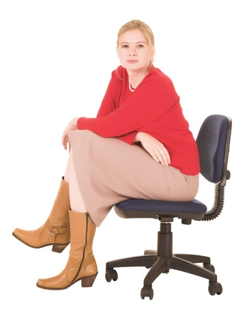 donne mature sexy: Sexy imprenditrice giovane caucasica top rosso e gonna matita su uno sfondo bianco. NON ISOLATO Archivio Fotografico