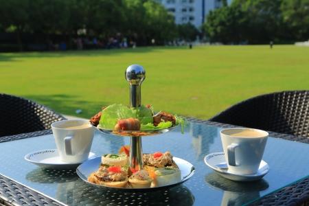 afternoon tea: afternoon tea