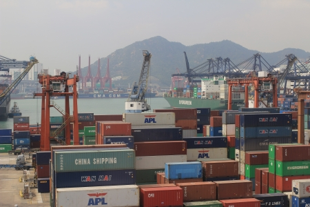 intermodal: Commercial container port in Hong Kong