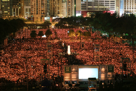 Sea of lights as record crowd marks 25th anniversary of Tiananm Editorial