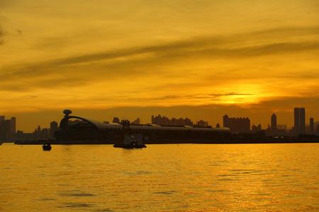 ifc: Sunset  in Hong Kong