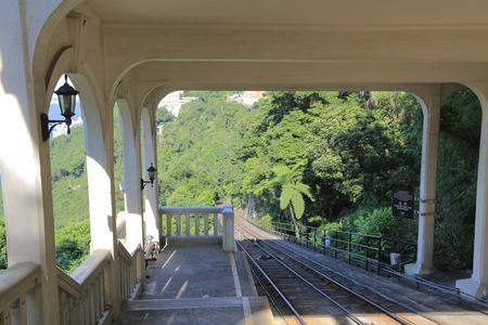 barker: Barker tram station