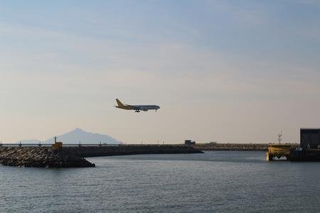 undercarriage: Airplane landing
