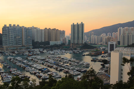 typhon: Typhoon shelter in Hong Kong