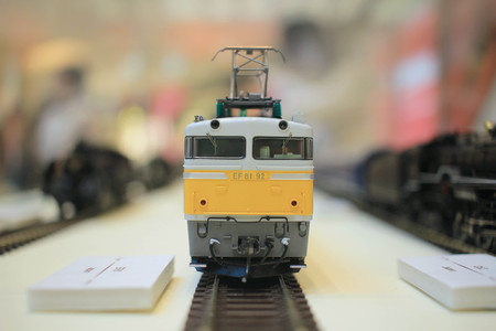 commuter train: miniature model commuter train