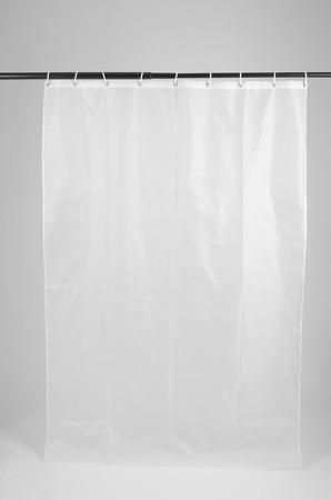 白い背景が付いているシャワー カーテン