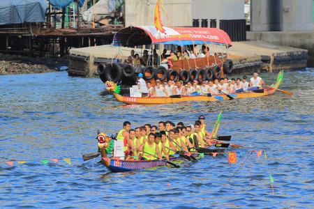 boat race: dragon boat race at aberdeen hong kong Editorial