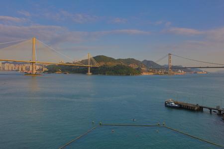 schlagbaum: die Ting Kau und Tsing Ma H�ngebr�cke in Hong Kong Lizenzfreie Bilder