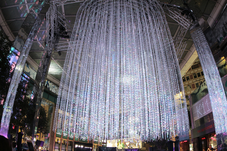 bustle: the Christmas decorations in Hong Kong 2015