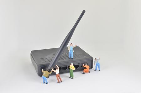 the Miniature network engineers at work. Macro Photo 版權商用圖片 - 53752885