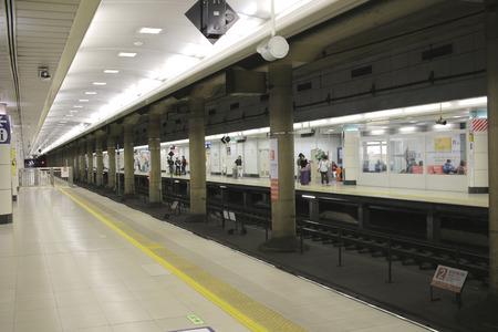 waits: Keisei Skyliner waits for passengers at Ueno terminal at 2016