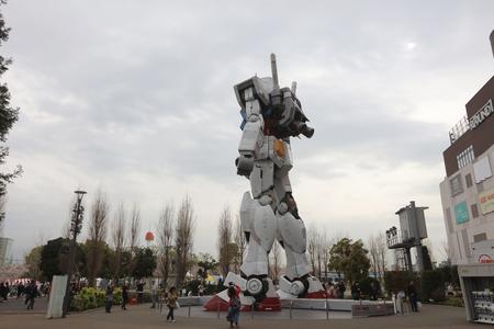 mecha: 11 18M Gundam Statue at tokyo japan