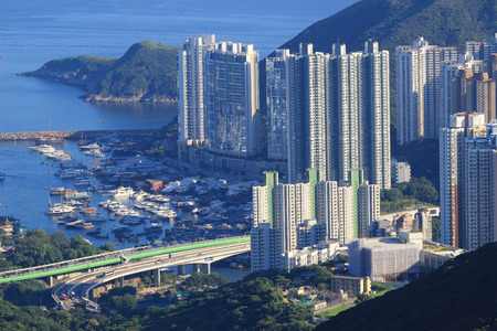 clase media: the Middle class residential building in Hong Kong