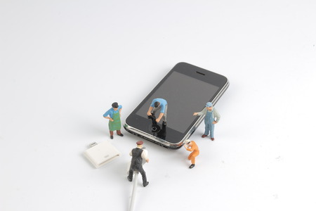 the cable line off smart phone to saving power