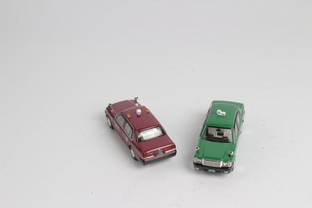 日本のポップなスタイルでタクシーのおもちゃ