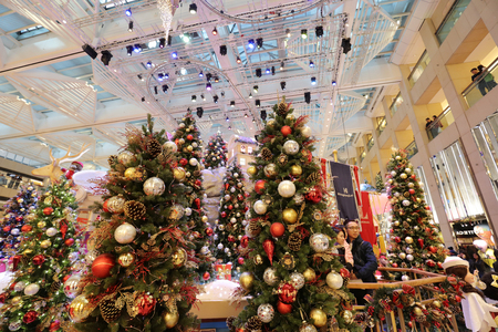 the central of shopping mall xmas event 2017