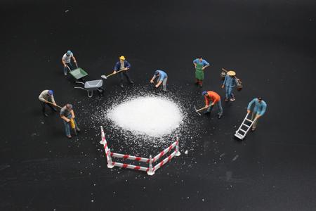 the mini  figure preparing the group salt
