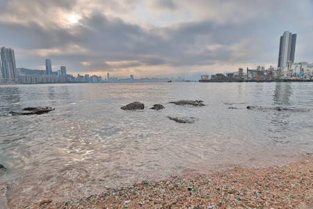 Yau Tong Lei Yue Mun water bay 版權商用圖片 - 99958931
