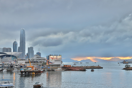 a view Skyline of HK at Typhoon Shelter 新聞圖片