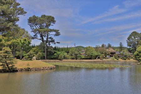 a View of japanese landscape garden at Shuraku en Reklamní fotografie