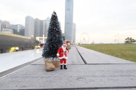 the figurine of Santa Claus