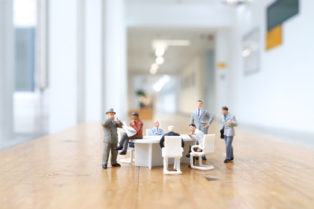 figure business people in meeting Banque d'images - 121414961