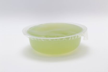 the green jelly pudding on the white back ground 版權商用圖片