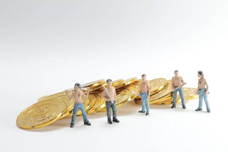 the mini of group Bad guys with coins