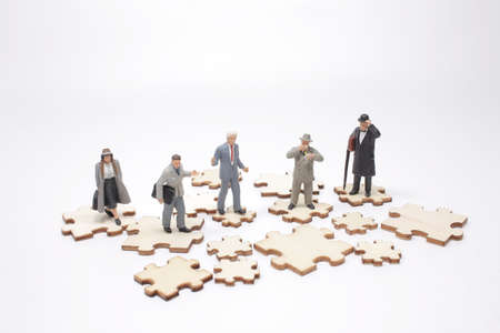 the Social Media Little people on puzzle pieces Banque d'images