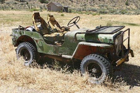 jalopy: Old Jeep