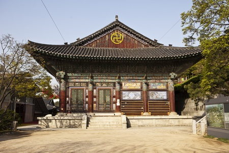 bongeunsa: One of the  buildings at the Bongeunsa Buddhist temple in Seoul, South Korea. Its a traditional building made of wood and is highly decorated with bright paint colors. Editorial