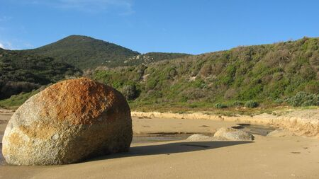 wilsons promontory: orange boulder on bfreach