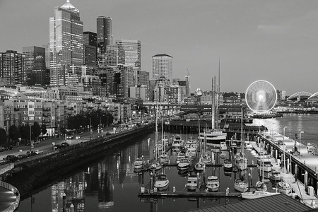 Black and white Seattle Waterfront skyline marina Stok Fotoğraf