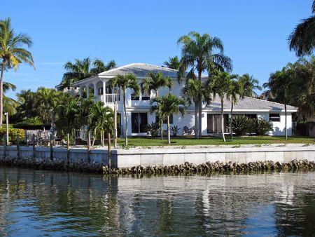 아름 다운 단일 주거 남부 플로리다 해안 집