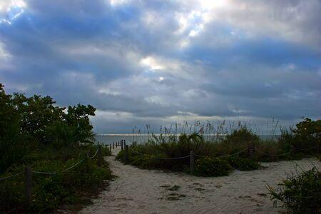 roped: Roped Polo Valla Camino que lleva a la playa de Sanibel Florida