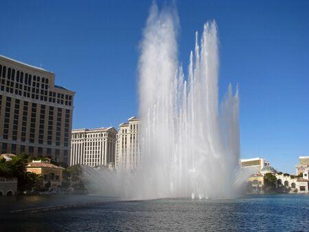 bellagio fountains: LAS VEGAS NEVADA USA   NOVEMBER 03: The Dancing Fountains of Bellagio Hotel and Casino 2012 Editorial